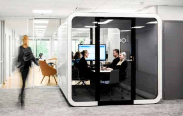 4 person meeting in a privacy pod - Framery